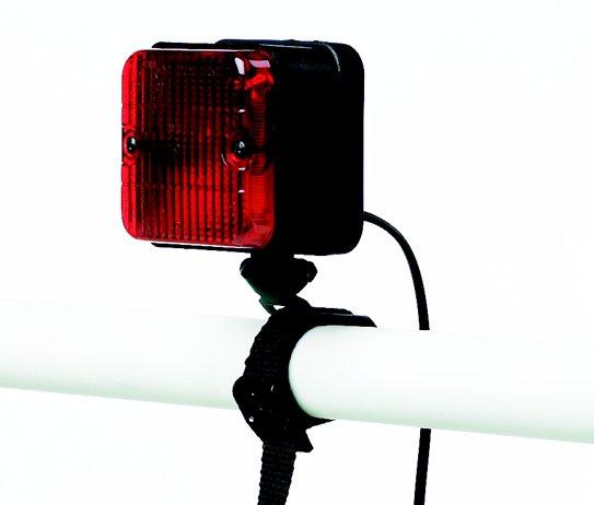 3. brzdové svetlo vrátane 13pin konektoru